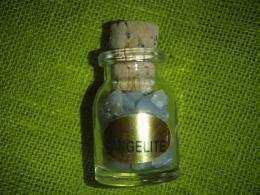 Angeliit - lihvitud angeliidid pudelis
