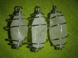 Kvarts - väävelkvarts - ripats - lihvitud kristall hõbespiraalis