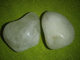 Kvarts - väävelkvarts - lihvitud kristall