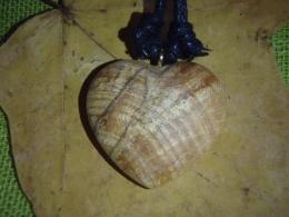 Palo Santo püha puu - kaunis ripats - Süda - UUS