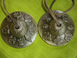 Tiibeti kellad - 8 budistlikku õnnetoovat märki - UUS