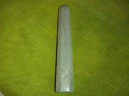 Amasoniit - lihvitud obelisk - UUS