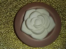 Lõhnakivi alusega - Roos - VIIMANE