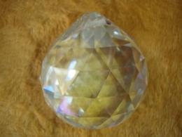 FENG SHUI kristallripats -- värviline kristallkuul 50 mm