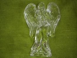 Imeline klaasist kuju - INGEL - UUS