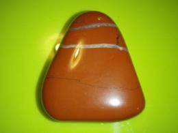 Jaspis - punane jaspis - lihvitud pihukivi