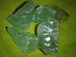 Kaltsiit - smaragdroheline kaltsiit