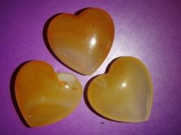 Karneool - lihvitud pihukivi - süda