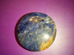 Sodaliit - lihvitud ümar kivi