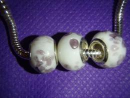 Klaashelmes Pandora käevõrule  - valge lavendliga