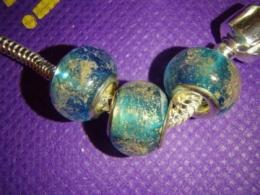 Klaashelmes Pandora käevõrule - sinine-kuldne