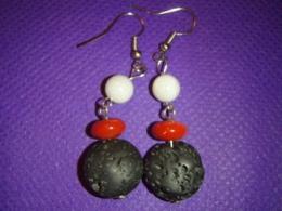 Erinevad poolvääriskivid - kõrvarõngad - laavakivi, pärl ja punane kivi - ALLAHINDLUS