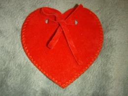 Kott - südamekujuline velvetkott - KEVADINE ALLAHINDLUS