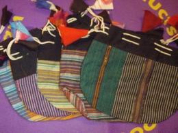Erineva suurusega erinevatest materjalidest voodrita kotid