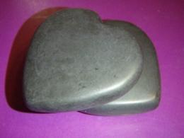 Laavakivi - basalt - massaažikivi - Süda - ALLAHINDLUS