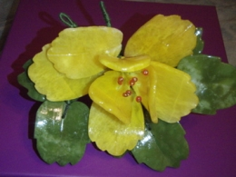 Erinevad poolvääriskivid - oranž kaltsiit ja serpentiin - kaunis lilleõis - VIIMASED - ALLAHINDLUS