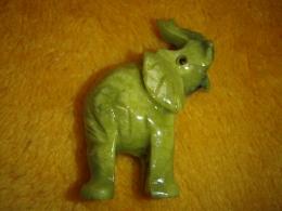 Serpentiin - nikerdatud elevant