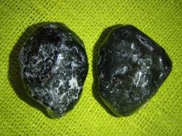 Obsidiaan - Apatši pisar - töötlemata kristall