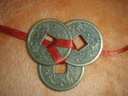 Hiina õnnemündid - amuletid - 3 münti paelaga kokkusõlmitud - VIIMANE - BRON