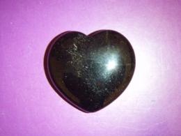 Oonüks - must lihvitud oonüks - süda 4 cm