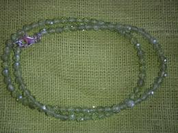 Peridoot - fassett-helmestest kaelakee - ca 45 cm - UUS