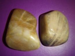Põldpagu - kuldne päevakivi - lihvitud kivi - VIIMASED