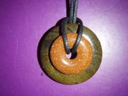 Erinevad poolvääriskivid - ripats - stromatoliit ja kuldkivi