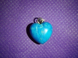 Türkiis-haoliit - südamekujuline ripats