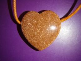 Kuldkivi - punane kuldkivi - ripats - süda 2,5 cm