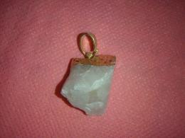 Roosa kvarts - töötlemata kristall - ripats