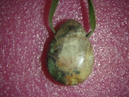 Jaspis - rüoliit - ripats nahkpaelaga
