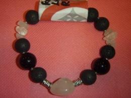 Erinevad poolvääriskivid - käevõru - roosa kvarts, laavakivi, obsidiaan