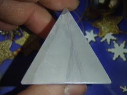 Seleniit - imekaunis lihvitud püramiid - TALVINE ALLAHINDLUS