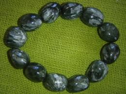 Serafiniit - lihvitud kividest käevõru - UUS