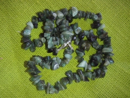 Smaragd - tsipsidest kaelakee - 45 cm - UUS