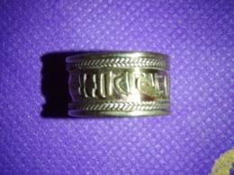 Vasest Tiibeti sõrmus - peal mantra Om Mani Pad Me Hum - VIIMASED