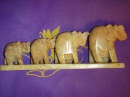 Steatiit - 4 nikerdatud õnne-elevanti reas - ALLAHINDLUS