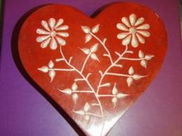 Steatiit - Imeilus lillemustriga karp - Süda