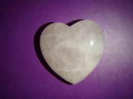 Roosa kvarts - lihvitud süda