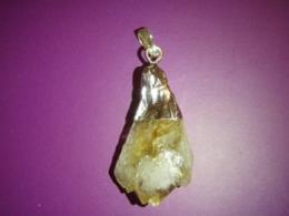 Tsitriin - ripats töötlemata kristallist