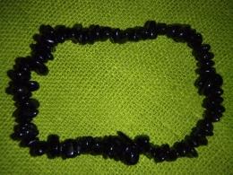 Turmaliin - must turmaliin (schorl) - lihvitud tsipsidest käevõru - UUS
