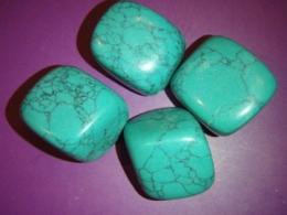 Türkiis-magnesiit - lihvitud kivid